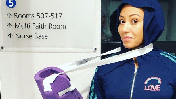 Spice Girl Mel B quebra mão e passa por cirurgia de emergência
