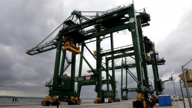 Governo congela seguro a exportações após Cuba e Venezuela darem calotes