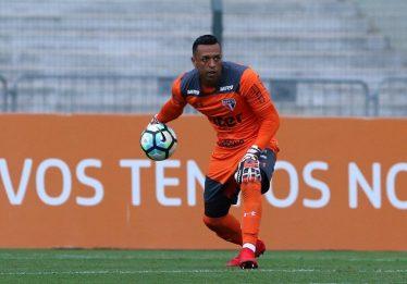 Sidão deixa o São Paulo e acerta com o Goiás por duas temporadas