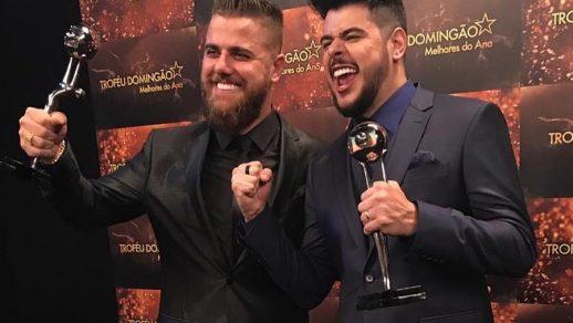 Em vídeo, Zé Neto e Cristiano dedicam troféu Melhores do Ano a Bolsonaro