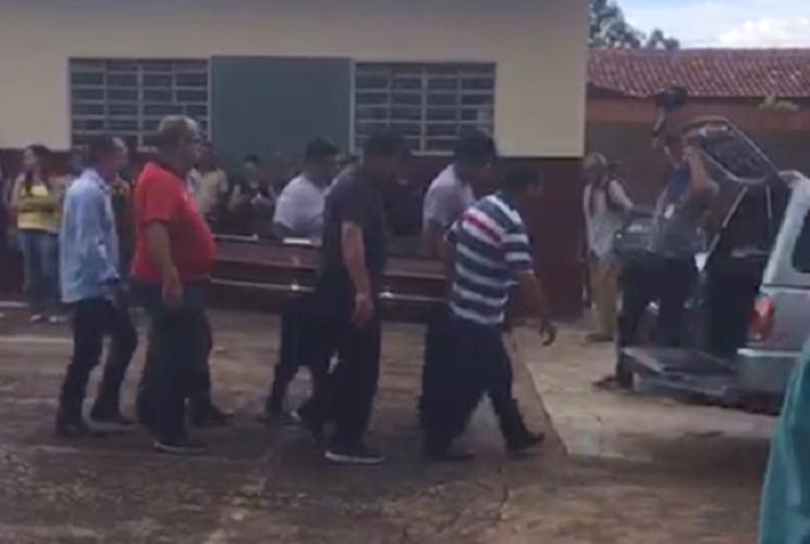 Corpo de motorista de aplicativo morta após corrida é velado em Goiânia