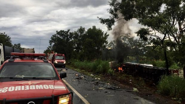 Colisão na BR-020 mata duas pessoas e deixa uma criança ferida no Entorno de Brasília