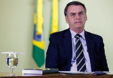 'Se Flávio errou, ele terá de pagar e eu lamento como pai', diz Bolsonaro