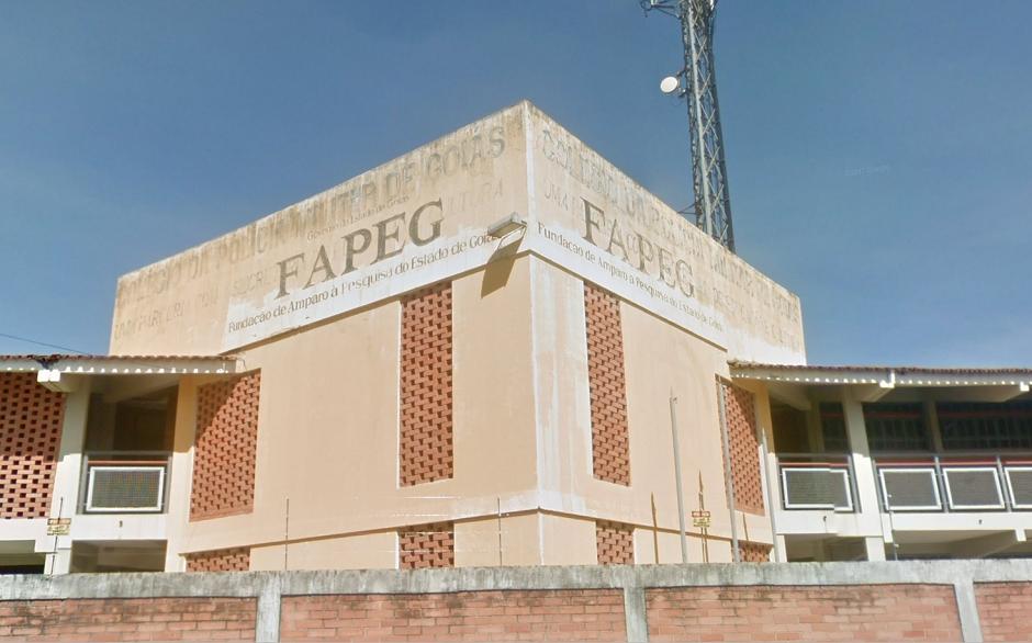 Pesquisadores reclamam de atrasos no pagamento das bolsas da Fapeg