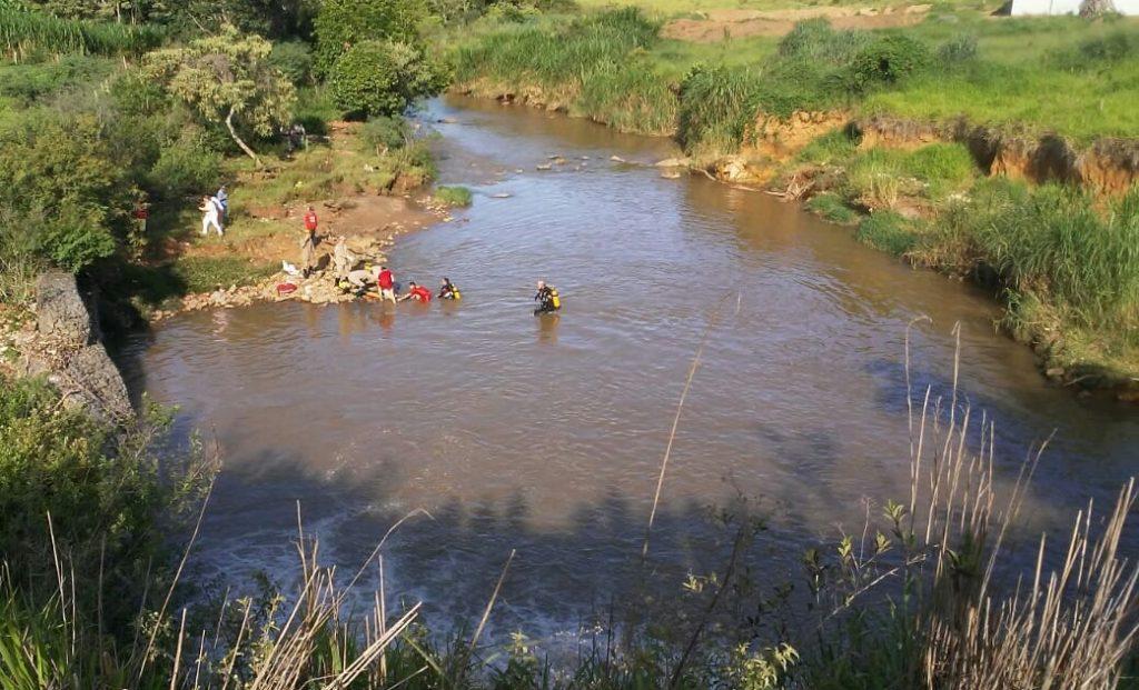 Idoso morre afogado após cair no Córrego das Antas durante pescaria, em Anápolis