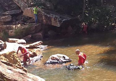 Criança de nove anos e rapaz de dezoito morrem afogados em Cristalina