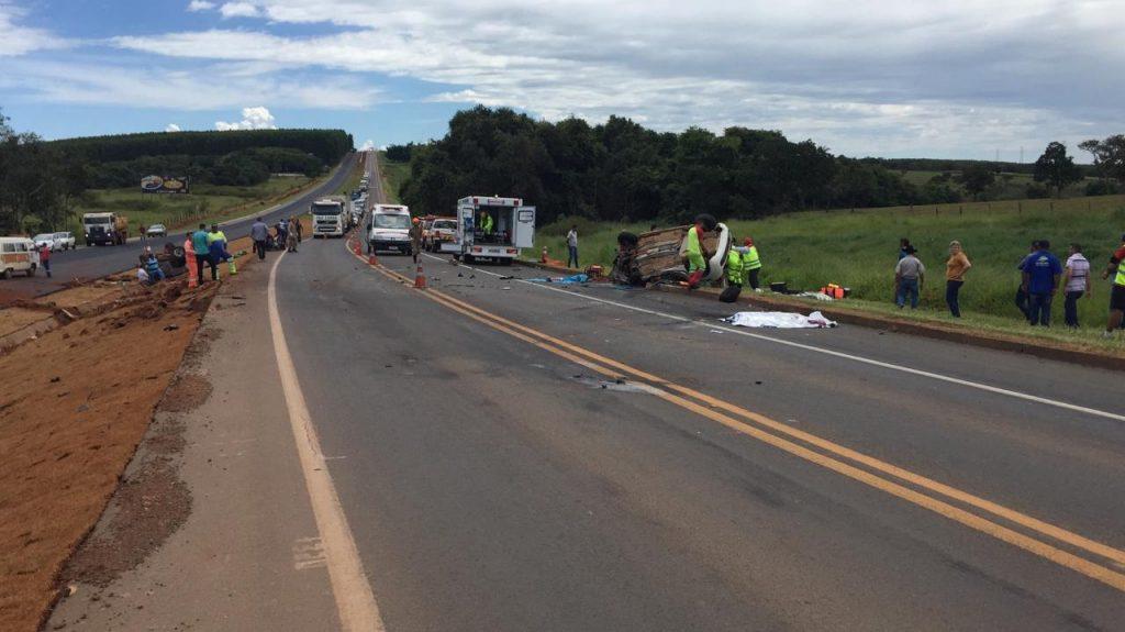 Duas pessoas morrem e quatro ficam feridas em acidente na BR-050, em Catalão