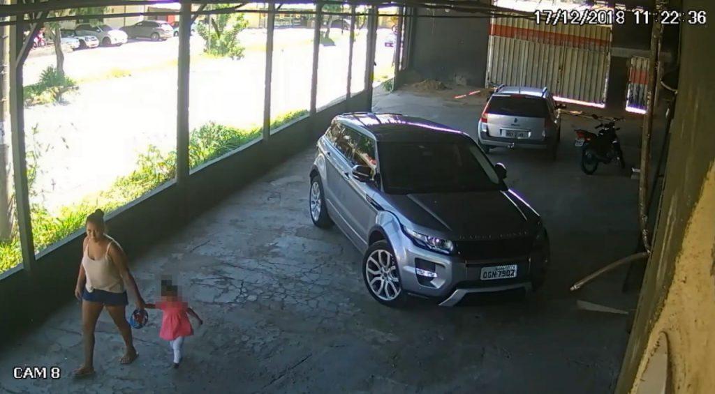 Novas imagens auxiliam na busca pela suspeita de abandonar corpo de bebê, em Goiânia