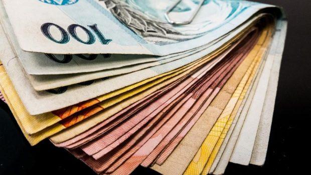 Aposentados e ativos do estado que recebem até R$ 2.670 serão pagos esta semana
