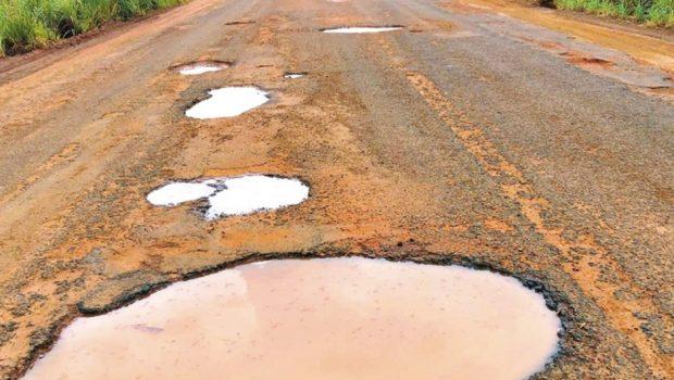 Parceria entre Agetop e municípios prevê manutenção de 20 trechos de rodovias goianas