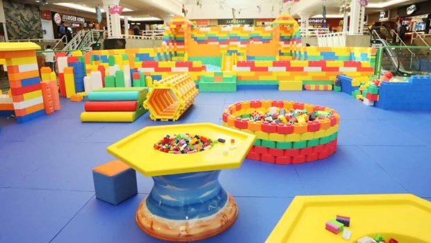 Jogo com blocos coloridos chega a shopping em Goiânia