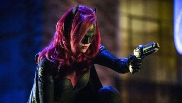 CW encomenda piloto de 'Batwoman' protagonizado por Ruby Rose