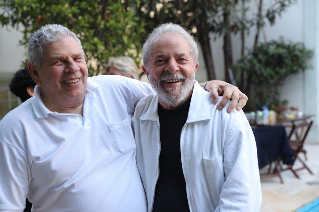 Autorizado pela Justiça, Lula desiste de viagem após morte de irmão