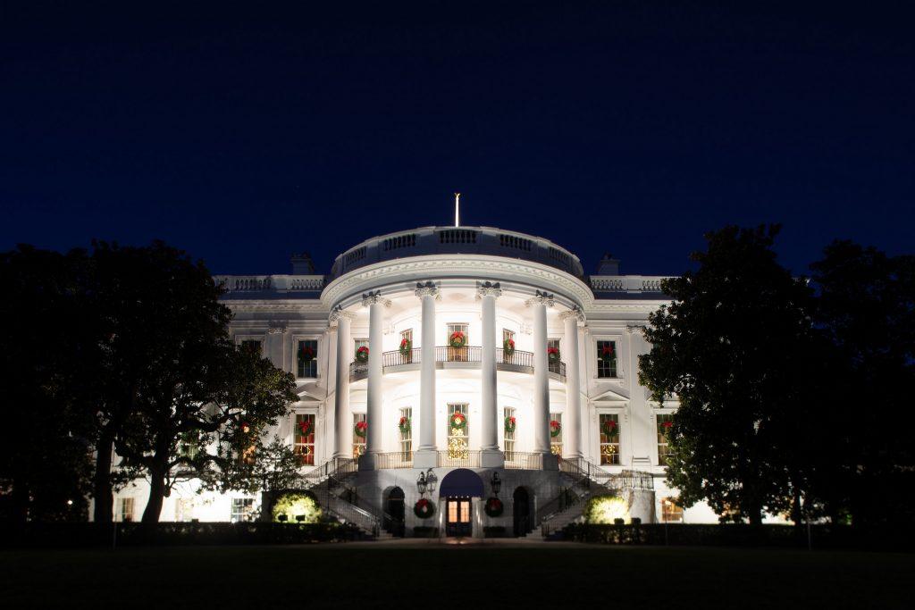 Casa Branca sinaliza que pode negociar troca de muro de concreto por aço