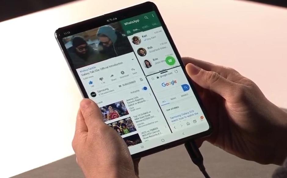 Samsung dobra a tela e o preço de smartphone