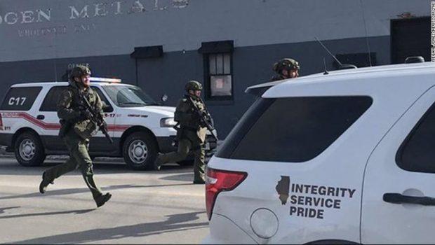 Atirador fere quatro policiais e 'vários civis' em Aurora, Illinois
