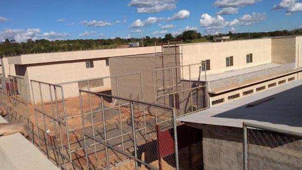 Quatorze presos fogem de Unidade Prisional, em Mineiros