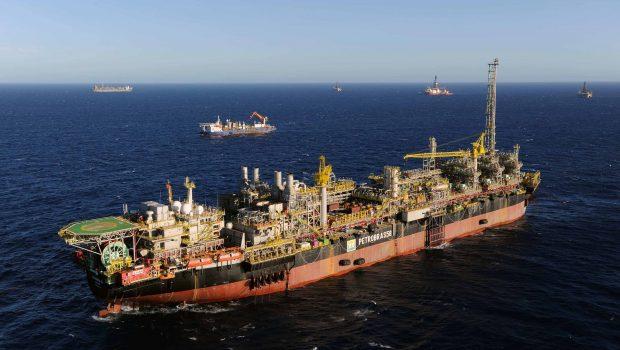 Petrobras confirma contenção de vazamento em plataforma no ES
