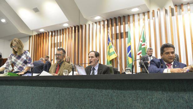 Deputados pedem abertura de CPIs em primeira sessão da Assembleia Legislativa