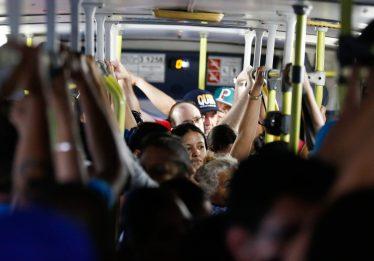 PL visa obrigar instalação de ar-condicionado em 100% da frota de ônibus da metrópole