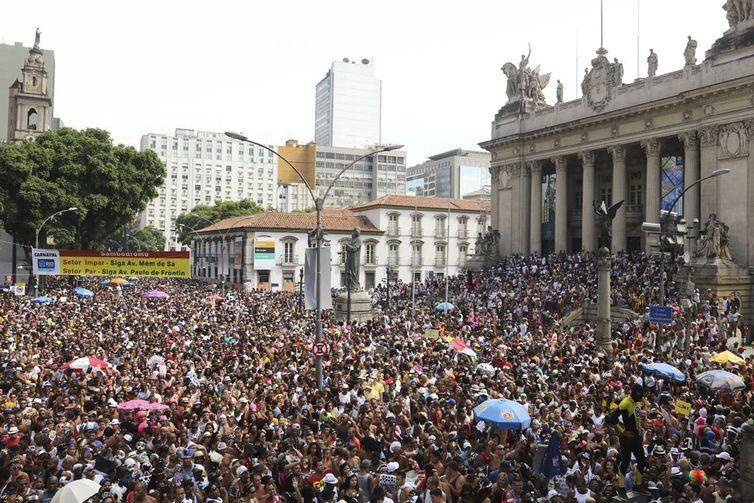 Carnaval do Rio deve reunir 7 milhões de foliões