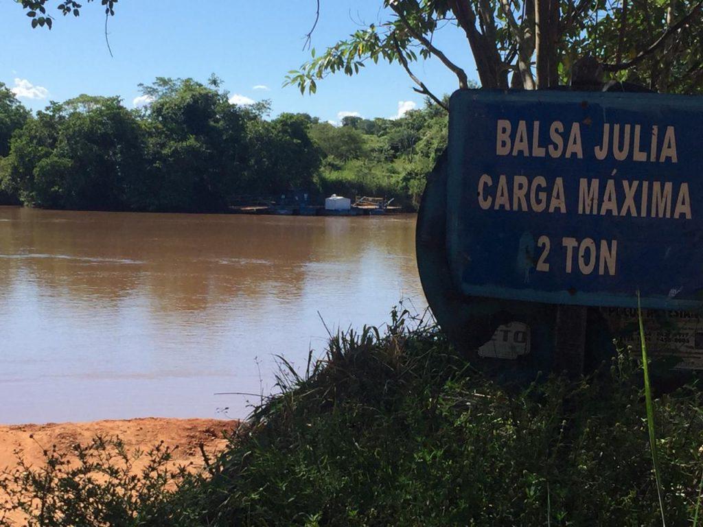 Moradores do distrito de Lavrinhas de São Sebastião ficam ilhados com interdição de balsa, em Goiás