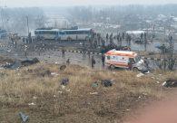 Ataque suicida mata mais de 40 policiais na Índia