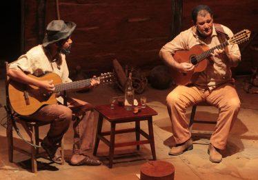 Causos, Viola e Cachaça volta ao palco do Teatro Sesi, com ingressos no valor de um livro, em Goiânia