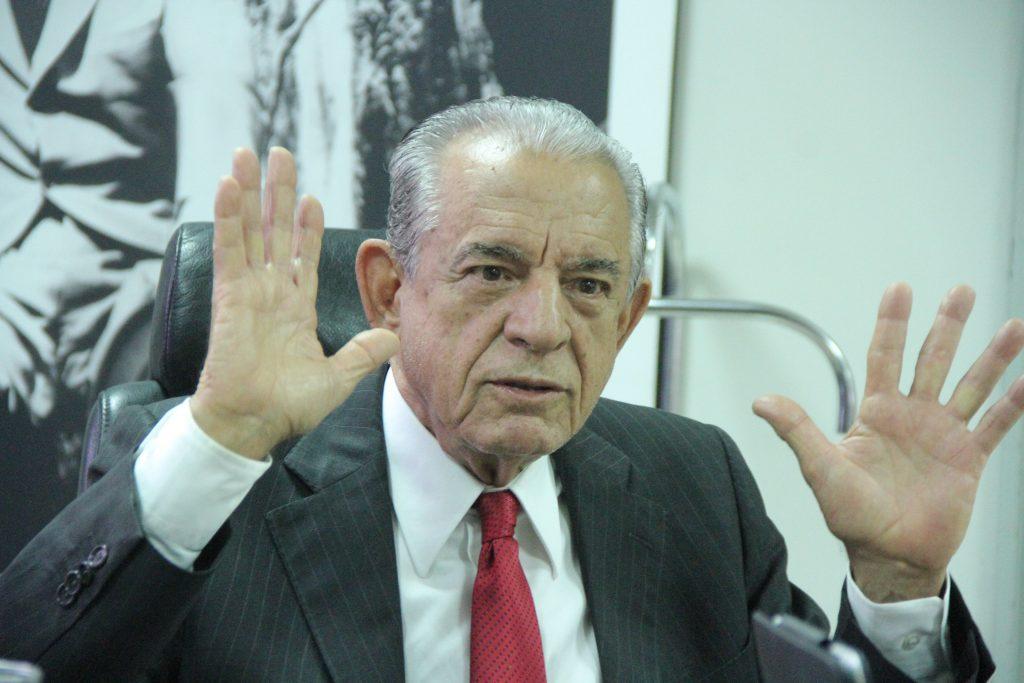 Presidente municipal do MDB diz que Iris será candidato em 2020, mas prefeito fala em aposentadoria