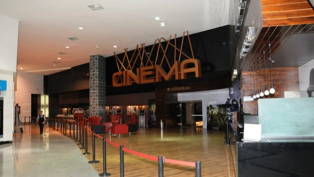 Justiça suspende funcionamento do Cinema Lumière do Shopping Boungainville, em Goiânia
