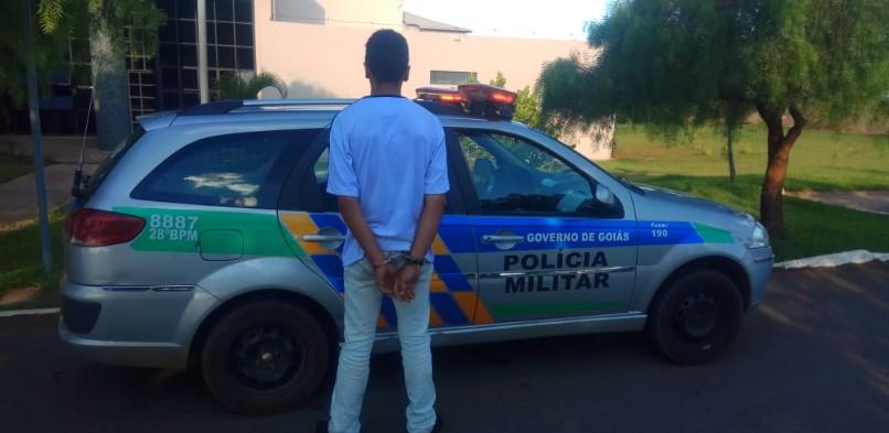 Jovem é preso por levar bebida para escola e distribuí-la aos colegas em Anápolis