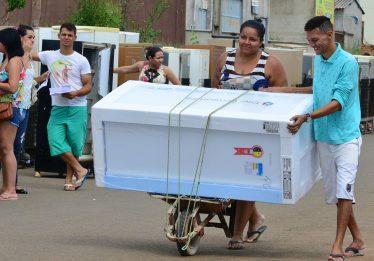 Troca de geladeiras contempla moradores do Jardim Curitiba II a partir desta terça (19)