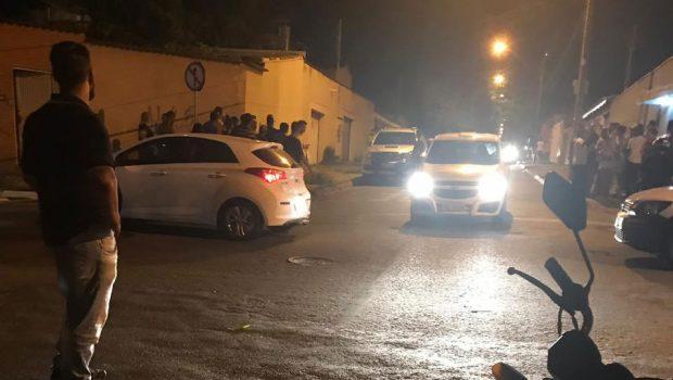 PMs trocam tiros após  briga no trânsito em Goiânia