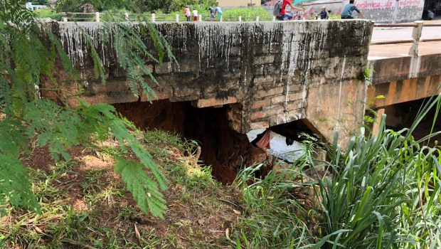 Parte de encosta que sustenta ponte na Avenida 24 de Outubro cede após chuva em Goiânia