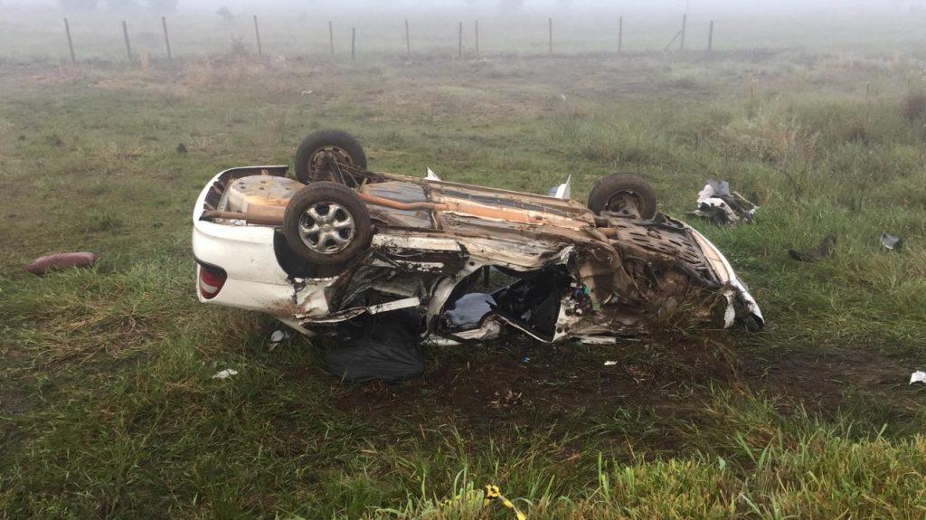 Acidente entre carro e caminhão termina com dois mortos e três feridos em Cristalina