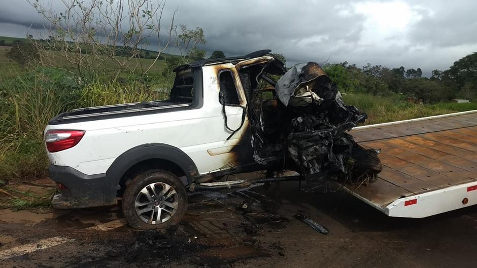 Pessoa morre carbonizada após acidente na estrada, em Mineiros