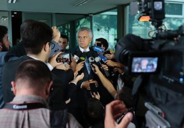 Governo federal prepara alternativa para socorrer estados, diz Caiado