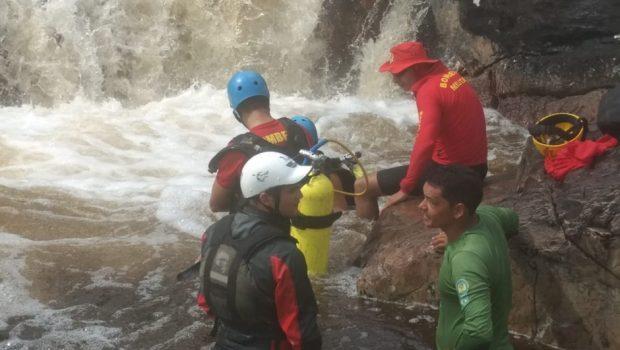 Corpo de estudante que se afogou em cachoeira na Chapada dos Veadeiros é encontrado