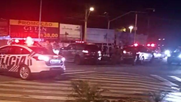 Confrontos entre policiais militares e suspeitos de assalto termina com dois mortos, em Goiânia