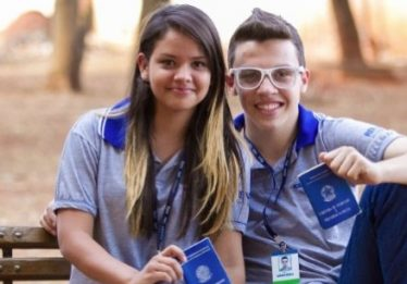 Jovens da Fundação Pró-Cerrado denunciam salários atrasados em Goiás