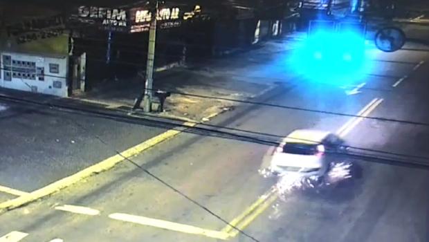 Vídeos de acidente que matou jovem no Jardim América apontam excesso de velocidade