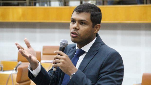 """Presidente da Câmara Municipal de Goiânia é chamado de """"macaco"""" durante a sessão"""