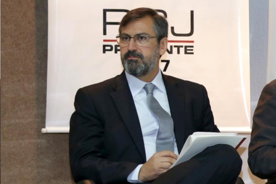 Caiado nomeia Aylton Flávio Vechi como procurador-geral do MPGO