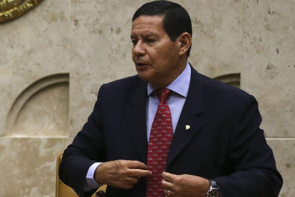 Reforma de militares economizará R$ 13 bilhões em 10 anos, diz Mourão