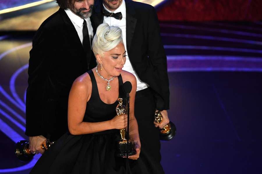 Lady Gaga leva o Oscar de Melhor Canção com Shallow ( Foto: Kevin Winter / Getty Images North America / AFP / CP)