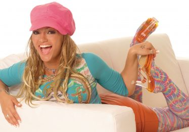 Kelly Key relançará álbum com sucessos 'Baba' e 'Cachorrinho'
