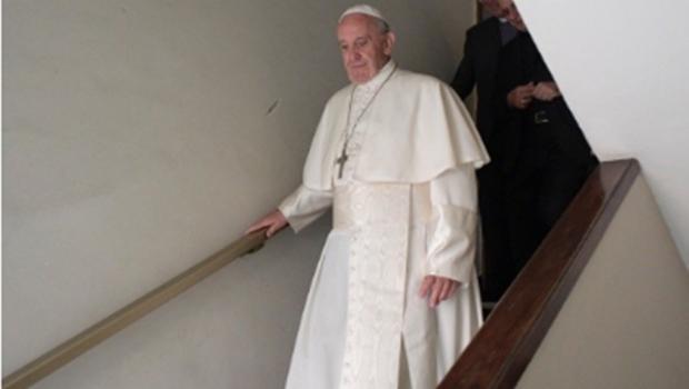Vaticano expulsa ex-cardeal Theodore McCarrick, acusado de abusos sexuais