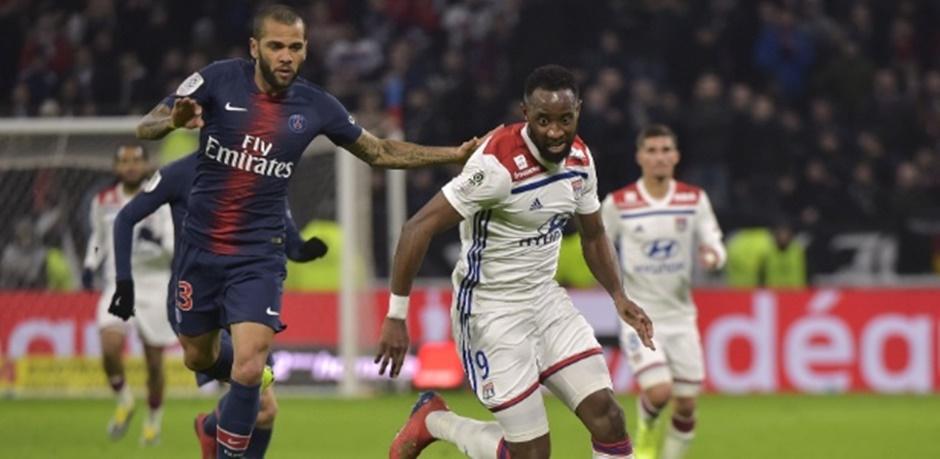 PSG é superado pelo Lyon de virada e perde invencibilidade no Francês