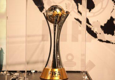 Corinthians perde recurso, e taça do Mundial de 2012 volta a ser penhorada