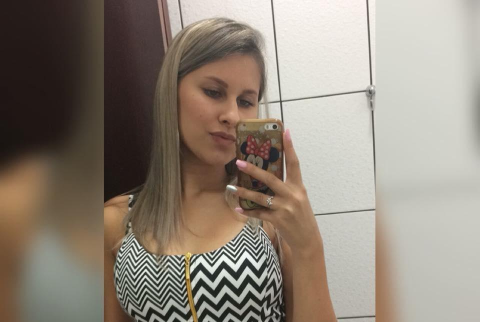 Jovem estuprada pelo cunhado e queimada pelo namorado é sepultada em São Paulo